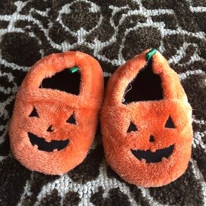 Other - Toddler boys pumpkin slippers size 6